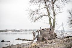 Cabina vicino al fiume di Dnieper immagine stock libera da diritti