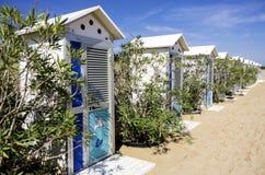 Cabinas cambiantes de la playa Imagenes de archivo
