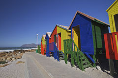 Cabinas cambiantes de madera en la playa, Ciudad del Cabo Imagen de archivo libre de regalías