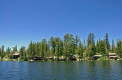 Cabinas del lago Foto de archivo