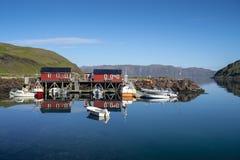Cabinas rojas de la pesca imagen de archivo