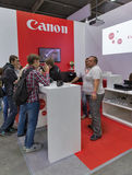 Cabine da empresa de Canon na ECO 2015, o comércio o maior s da eletrônica fotos de stock royalty free