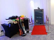 Cabine da foto estabelecida em uma sala imagem de stock royalty free