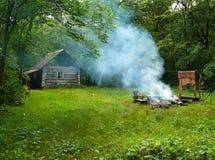 Cabine dans la forêt 1 Photos libres de droits
