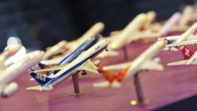 A cabine de aviões apresentando do grupo do aeroporto de Changi (CAG) modela em Singapura Airshow Imagens de Stock