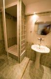 Cabine de douche de salle de bains. Photo libre de droits