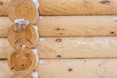 Cabine de log neuve image stock