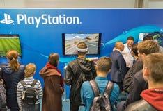 Cabine de Sony PlayStation pendant l'ECO 2017 à Kiev, Ukraine images libres de droits