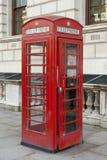 Cabine de téléphone rouge Photos stock