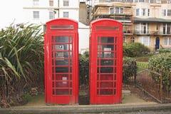Cabine de telefone de dois ingleses em Brigghton Fotos de Stock Royalty Free