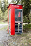 Cabine de telefone norueguesa velha foto de stock