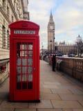 Cabine de telefone vermelha de Londres Fotos de Stock Royalty Free