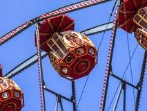 A cabine de uma roda de ferris fotos de stock royalty free