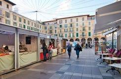 Cabine del mercato di sindaco Christmas della plaza Fotografie Stock Libere da Diritti