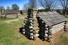 Cabine di ceppo che alloggiano al parco nazionale della forgia della valle Immagini Stock Libere da Diritti