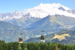 Cabine di funivia in alpi francesi Fotografia Stock