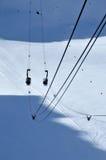 Cabine di funivia che passano sopra un ghiacciaio Fotografia Stock Libera da Diritti