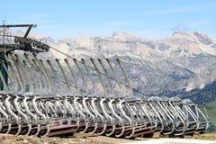 Cabine di funivia sulla colonna Rodella, dolomia italiane immagini stock