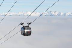 A cabine do cabo aéreo na estação de Chopok em Jasna Low Tatras Fotografia de Stock