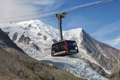 A cabine do teleférico de Aiguille du Midi, França Imagem de Stock