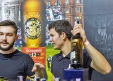 Cabine do uísque de Glen Scotia no festival da gole do uísque Kiev, Uktaine imagem de stock royalty free
