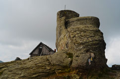 Cabine op Omu-piek in Bucegi-Bergen Stock Afbeelding