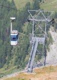 Cabine ou carro do cabo do elevador de esqui Imagens de Stock Royalty Free