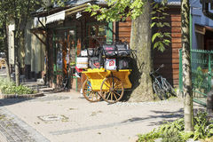 A cabine que oferece sacos comemorativos Fotos de Stock Royalty Free