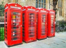 Cabine telefoniche rosse famose a Londra Fotografia Stock Libera da Diritti
