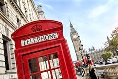 Cabine téléphonique de Londres et grand Ben Images libres de droits