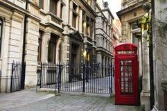 Cabine téléphonique à Londres Photos stock