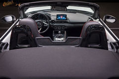 Cabine van een open tweepersoonsauto Mazda mx-5 Royalty-vrije Stock Afbeelding