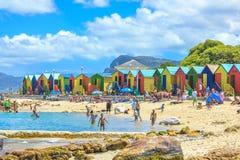 Cabine variopinte della spiaggia Immagini Stock Libere da Diritti