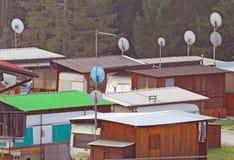 Cabines da caravana e do acampamento equipadas para emergências humanitárias Fotos de Stock Royalty Free