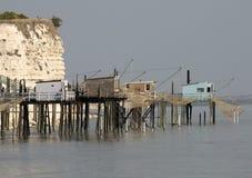 Cabines de Fisher no estuário de Gironda, France fotos de stock