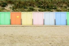Cabines en Domburg, Netherland de la playa foto de archivo