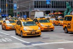 Cabines jaunes à Manhattan, NYC Image stock