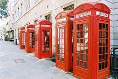 Cabines téléphoniques de Londres images stock