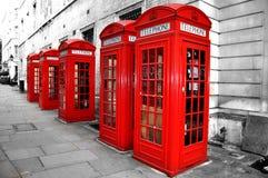 Cabines téléphoniques de Londres Photos stock