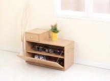 Cabinet en bois de chaussure Photo stock