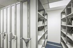 Cabinete de archivo vacío con la rueda para el secreto del documento de negocio Foto de archivo libre de regalías