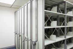 Cabinete de archivo vacío con la rueda para el secreto del documento de negocio Fotografía de archivo