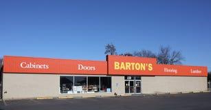 Cabinets, portes, plancher et bois de charpente du ` s de Barton Photographie stock