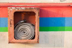 Cabinets pour des extincteurs Images libres de droits