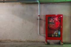 Cabinets pour des extincteurs Image libre de droits