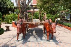 Cablaggio della mucca un carretto Fotografia Stock Libera da Diritti