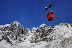 Cable car in High mountains Royalty Free Stock Photos