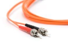 Cable de la fibra con los conectores Imagenes de archivo