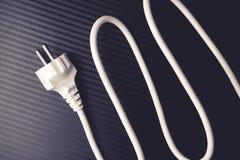 Cable de la potencia europea en fondo del carbono Color blanco Imagen de archivo libre de regalías