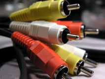 Cable rojo, blanco y amarillo de las conexiones imagen de archivo libre de regalías